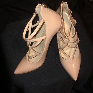 Nude Marc Fisher heels
